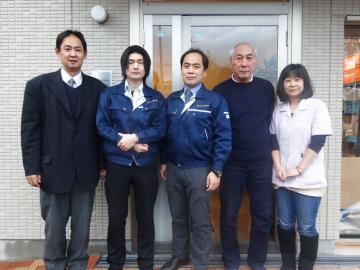 高木ゴム工業株式会社の松﨑隆一社長とスタッフの皆様