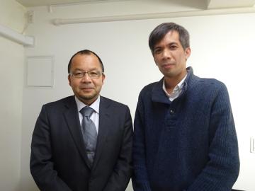 ダイニチ電子株式会社の上沢哲也社長とHP担当のレ・ニャンホア氏