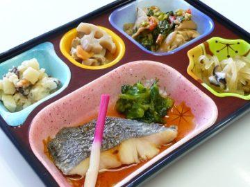 ライフデリ岡山北店は、ただお弁当を配達するだけでなく、それぞれの方にどれだけ寄り添えるか、サービスを提供できるかを考えています。