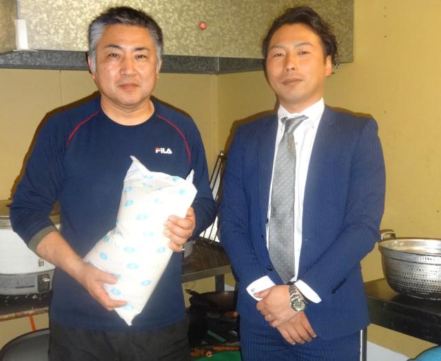 国安啓司社長(左)と樋口卓也税理士